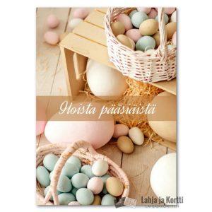 Iloista pääsiäistä erivärisiä munia