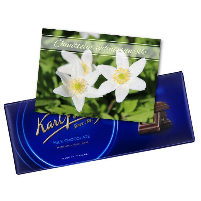 Kortti ja suklaata valmistuneelle